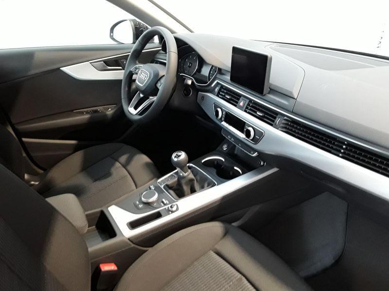 Audi A4 2.0TDI Design edition 150