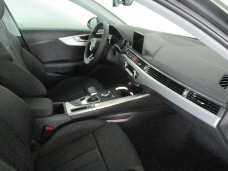 Audi A4 2.0TDI S line edition S tronic 150