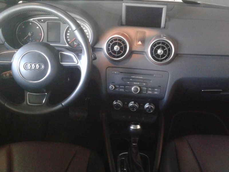 Audi A1 Sportback 1.6TDI Ambition S-Tronic
