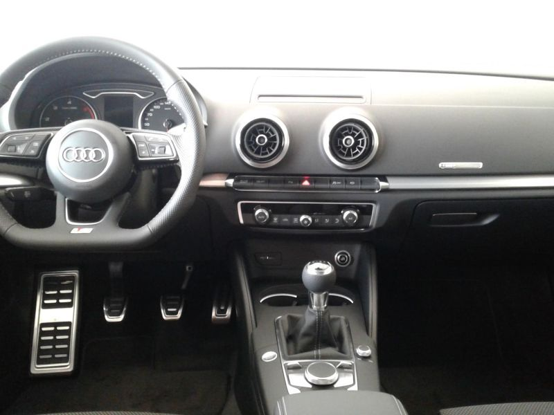 Audi A3 Sportback 2.0TDI S Line Edition 150