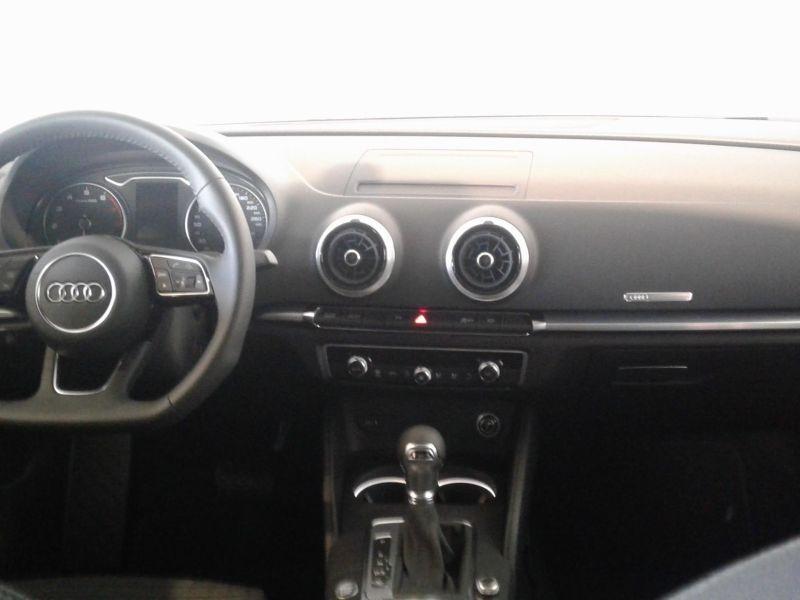 Audi A3 Sedán 1.5 TFSI COD EVO S line S-T 150