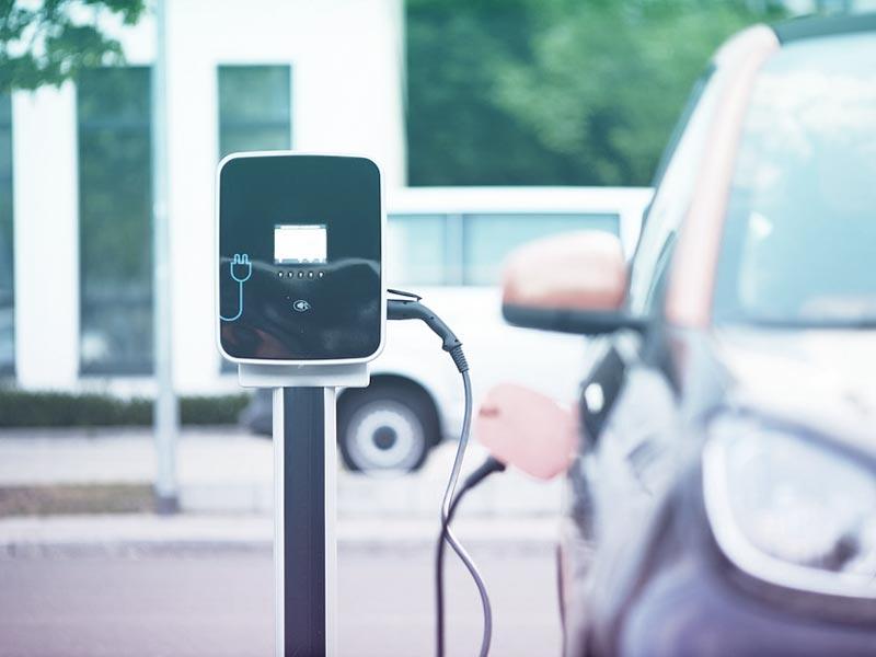 Diferencias entre un coche híbrido y uno eléctrico